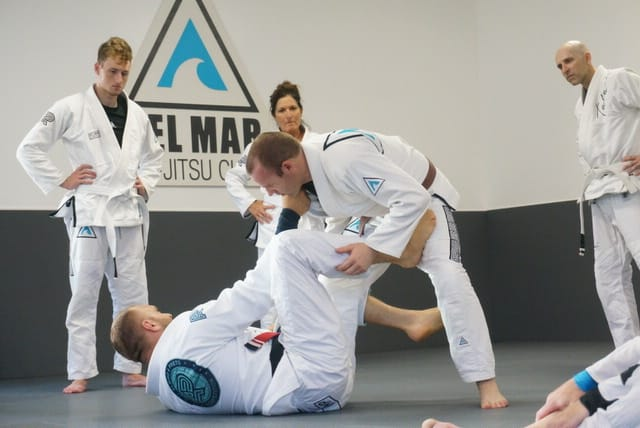 adult jiu-jitsu class learning fundamentals of jiu-jitsu