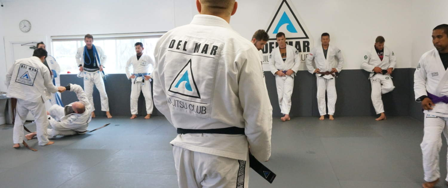 Jiu-Jitsu class in San Diego ran by instructor Mike Phelps